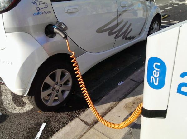 «Зеленый» транспорт: электромобилей в Беларуси становится все больше