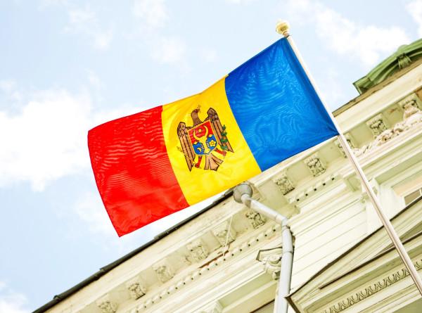 Избирательные участки в Молдове запаслись масками, перчатками и антисептиком