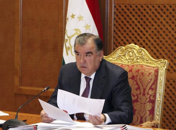 Президент Таджикистана отправил правительство в отставку