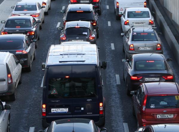 Московских водителей предупредили о восьмибалльных пробках