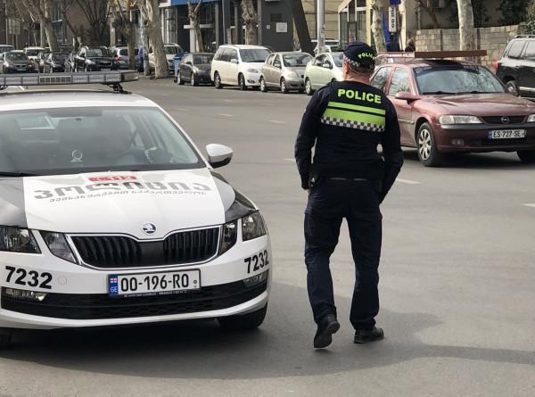 В грузинском Кобулети грабители напали на автомобиль инкассации
