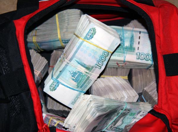 Жительница Екатеринбурга перевела аферисту-генералу более миллиона рублей