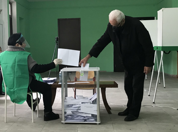 ЦИК Грузии: За четыре часа на парламентских выборах проголосовали 19,41% избирателей
