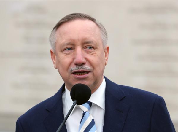 Губернатор Петербурга Беглов перешел на «удаленку» из-за возможного контакта с больными COVID-19