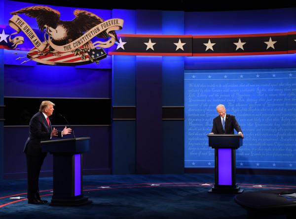 Финишная черта: Трамп и Байден провели последние дебаты перед выборами