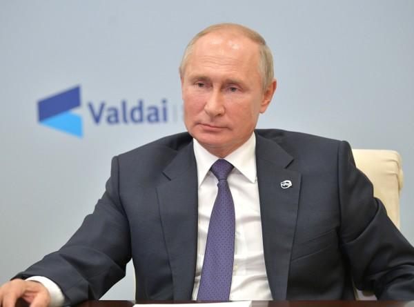 Путин на «Валдае»: Настоящую демократию и гражданское общество невозможно импортировать