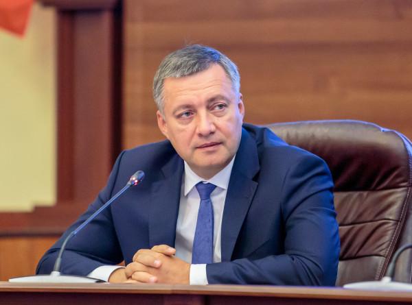 Заразившийся коронавирусом губернатор Иркутской области Игорь Кобзев госпитализирован
