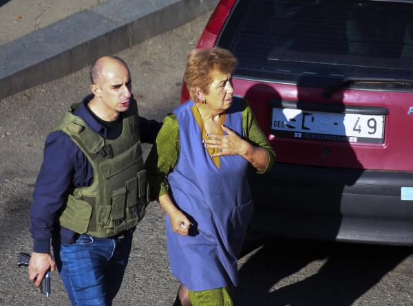 Все заложники, которых удерживали в здании банка в Зугдиди, освобождены