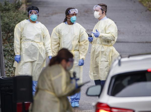 В США за сутки выявили рекордные 83,7 тысячи случаев коронавируса