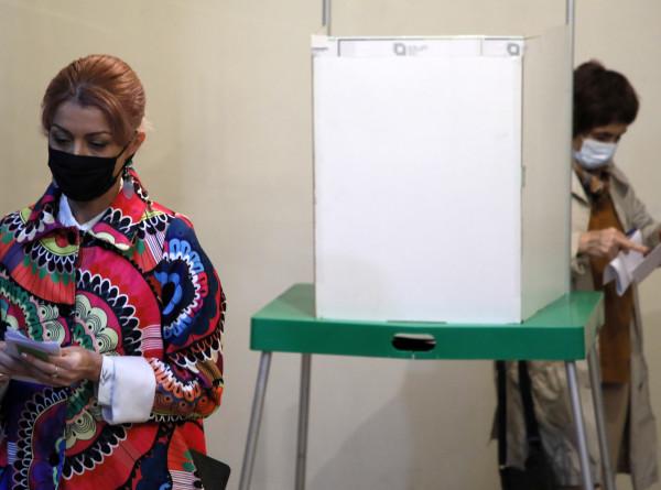 ЦИК: Явка на парламентские выборы в Грузии за два часа составила 8,33%