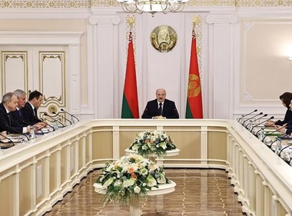 Инвестиции и благосостояние: Лукашенко провел совещание по ключевым вопросам