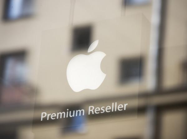 Apple начала продажи новых моделей iPhone в России