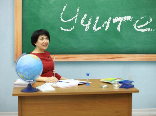 В Таджикистан прибыли 50 учителей из России