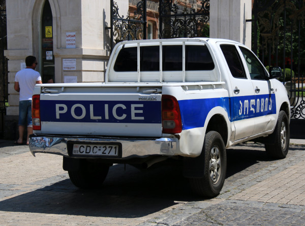 Полиция в Зугдиди получила фото скрывшегося с деньгами преступника