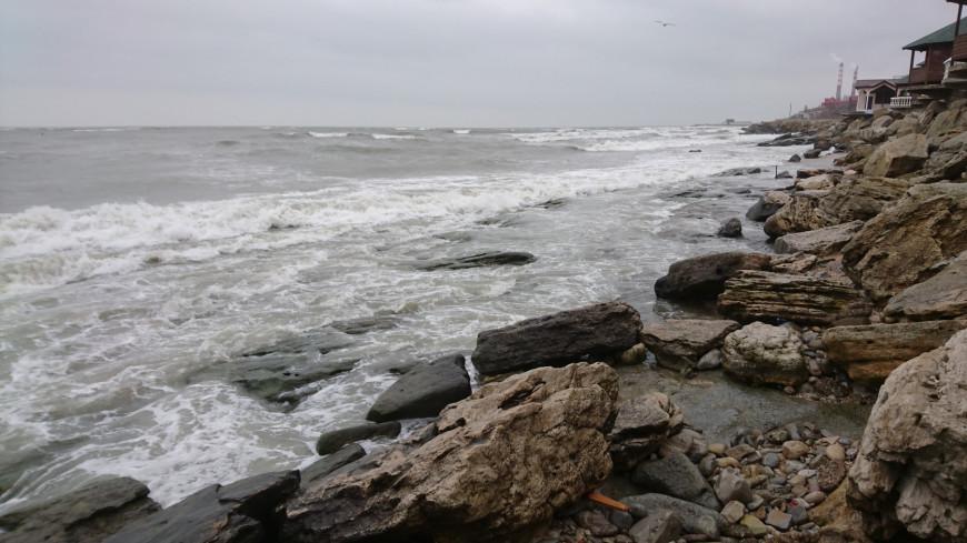Берег Каспийского моря. Махачкала.