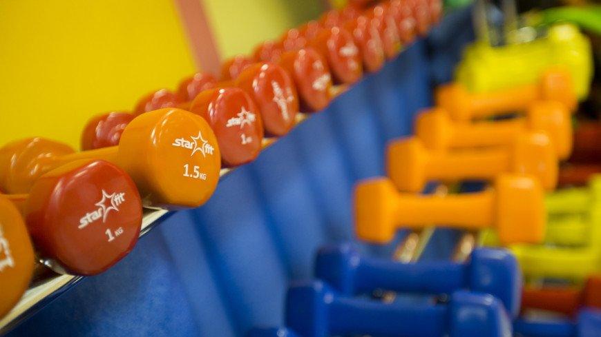 Фитнес-клуб,фитнес, клуб, центр, спорт, спортивный зал, физическая подготовка, здоровье, штанга, гантели, ,фитнес, клуб, центр, спорт, спортивный зал, физическая подготовка, здоровье, штанга, гантели,
