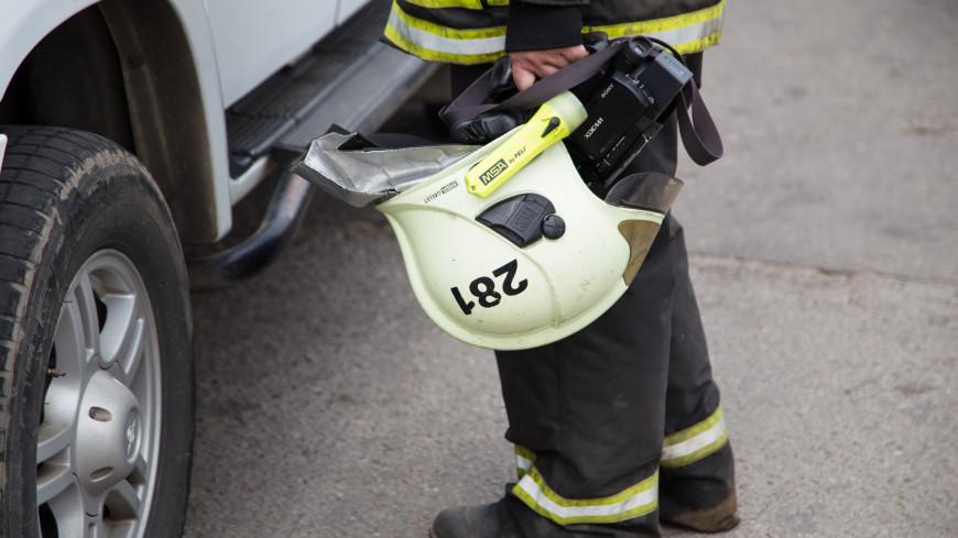 В Москве пожарные спасли женщину, зажатую в автомобиле из-за ДТП