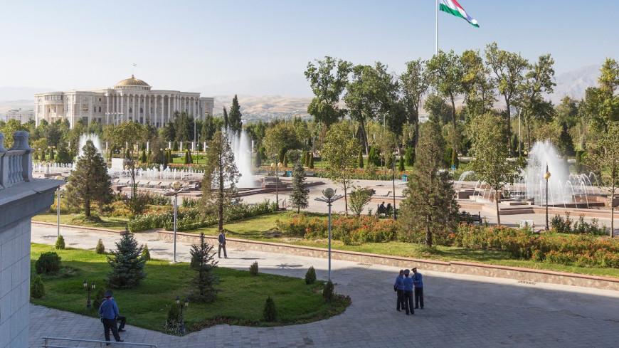 В Таджикистане отметили 700-летие поэта Камола Худжанди