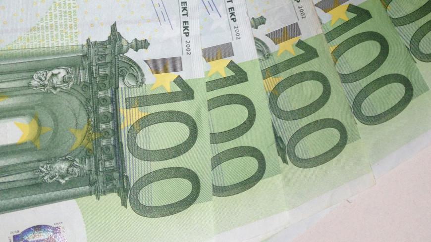 Курс евро превысил отметку 92 рубля впервые с начала октября