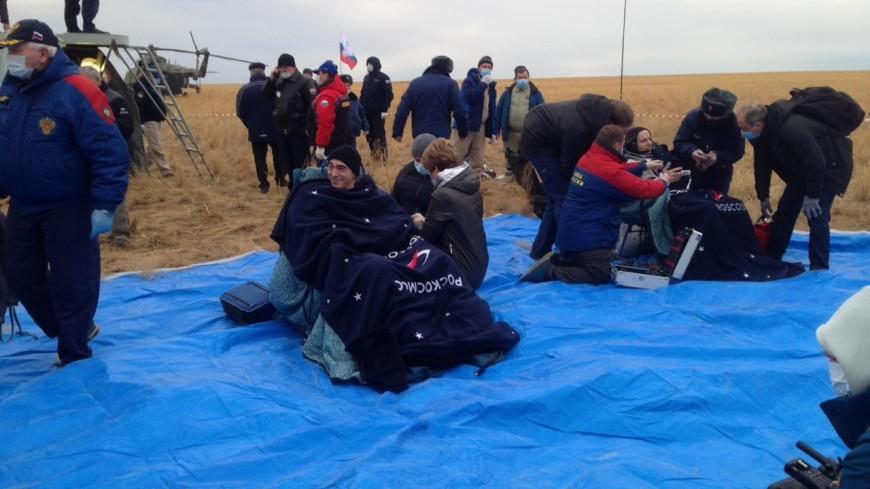 Экипаж корабля «Союз МС-16» покинул спускаемую капсулу после приземления