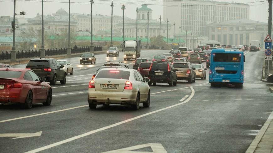 В Москве с 7 ноября проезд по выделенкам будет разрешен для нескольких видов транспорта