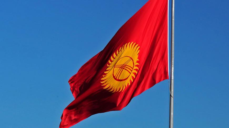 Кризис в Кыргызстане: сотни сторонников разных партий собрались в центре Бишкека