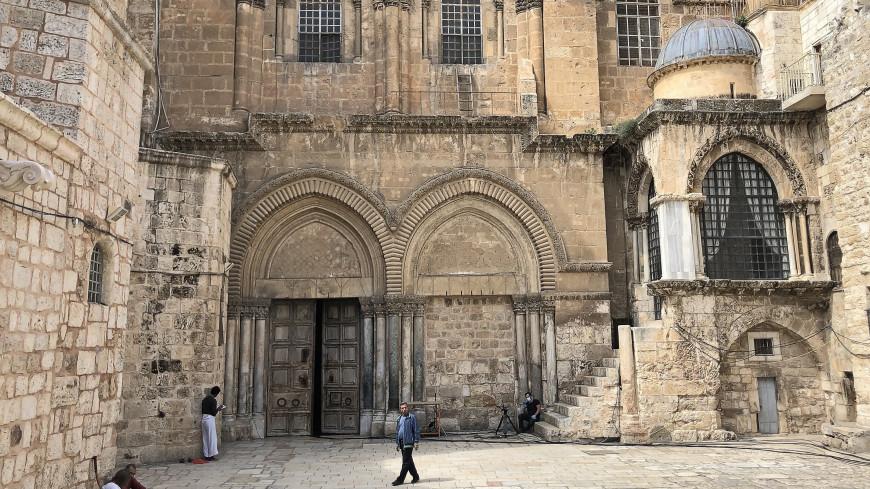 В Иерусалиме откроют для молитв площади у Храма Гроба и Стены Плача