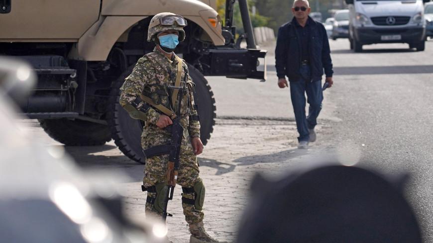 МВД Кыргызстана: ситуация в Бишкеке улучшилась после ввода режима ЧП