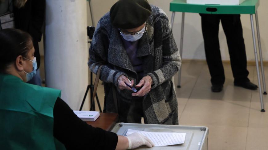 На избирательных участках в Грузии создали спецусловия из-за COVID-19