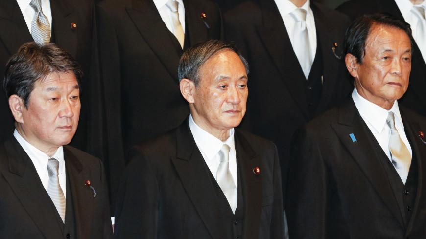 Суга отправился в первое зарубежное турне в должности премьер-министра Японии