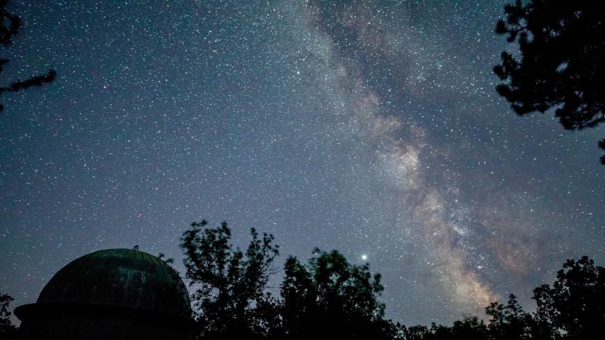 Москвичи увидят метеорный поток Леониды в ноябре