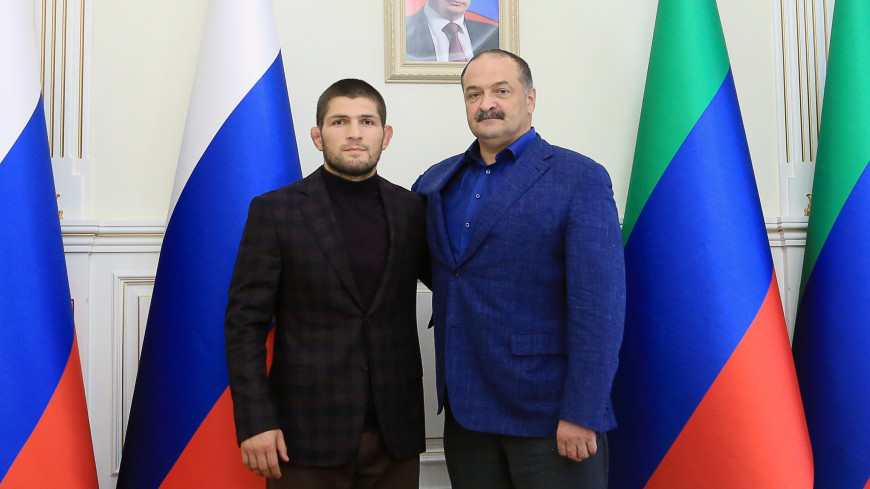 Врио главы Дагестана Меликов встретился с Нурмагомедовым.