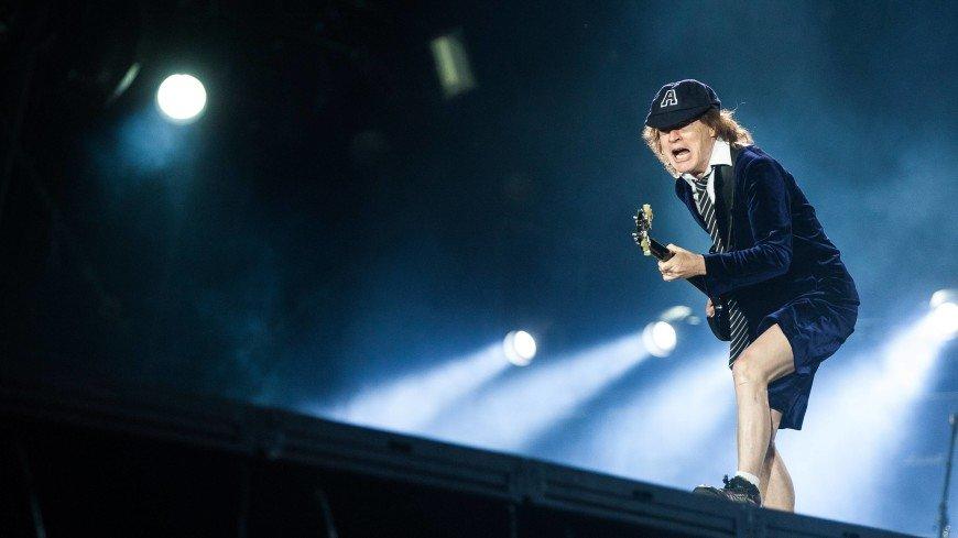 СМИ узнали о том, кто будет играть в воссоединившейся рок-группе AC/DC