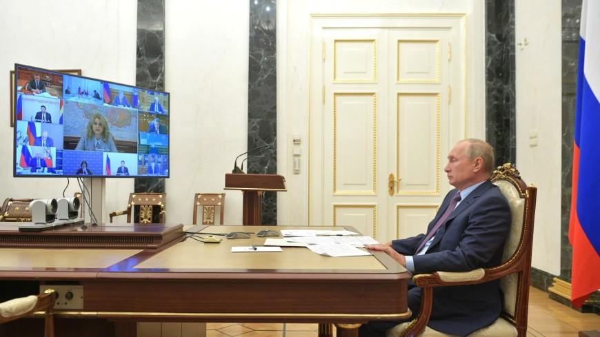 Путин призвал наращивать производство российских вакцин от коронавируса