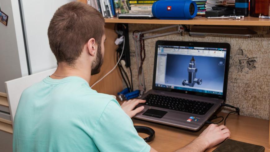 """Фото: """"«Мир 24»"""":http://mir24.tv/, компьютер, общежитие, студент, студенты, учеба"""