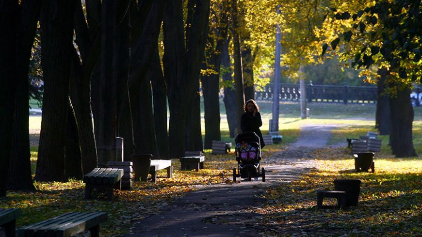 "Фото: Виталий Залесский, ""«Мир 24»"":http://mir24.tv/, семья, осень, мама"
