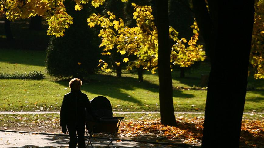 "Фото: Виталий Залесский, ""«Мир 24»"":http://mir24.tv/, осень, семья, мама"