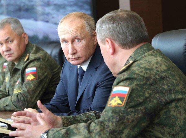 Путин оценил масштабную высадку десанта на учениях под Астраханью