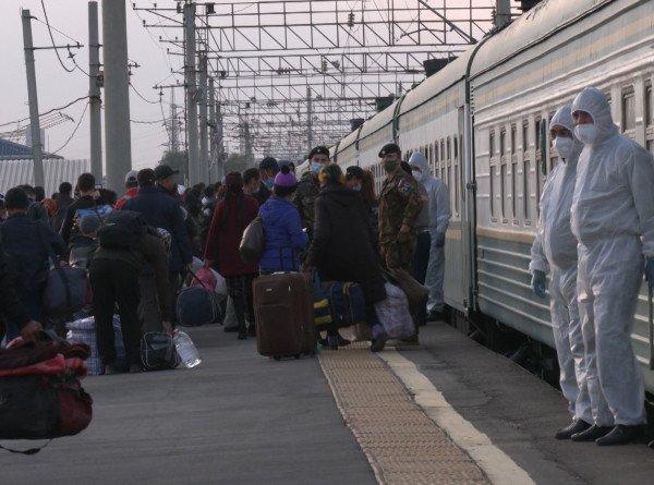 Граждан Узбекистана, застрявших из-за коронавируса в России, возвращают на родину