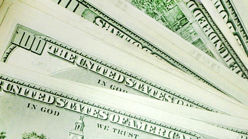 Курс доллара превысил 78 рублей впервые с начала апреля