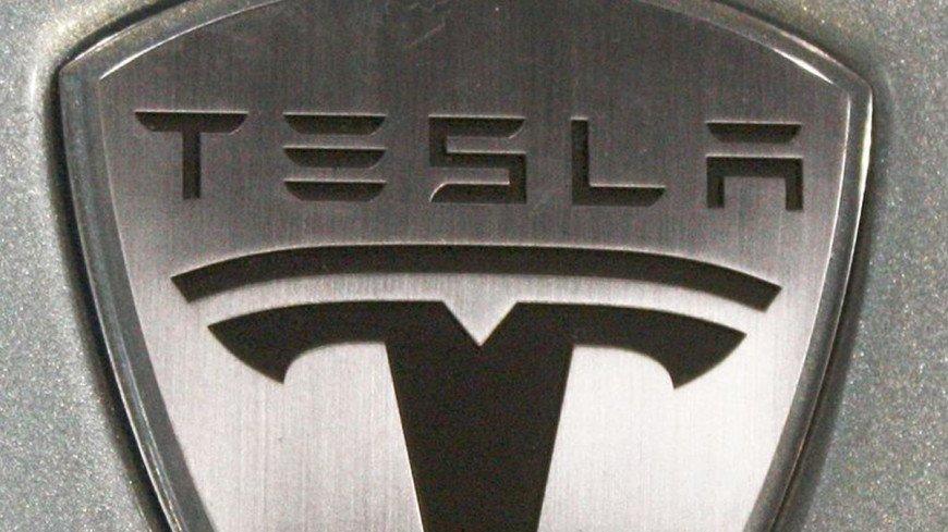 Акции Tesla обрушились на 21%