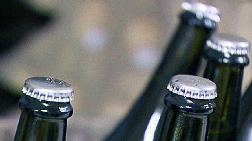 В Ростовской области ДТП с фурой, перевозившей пиво, стало причиной огромной пробки