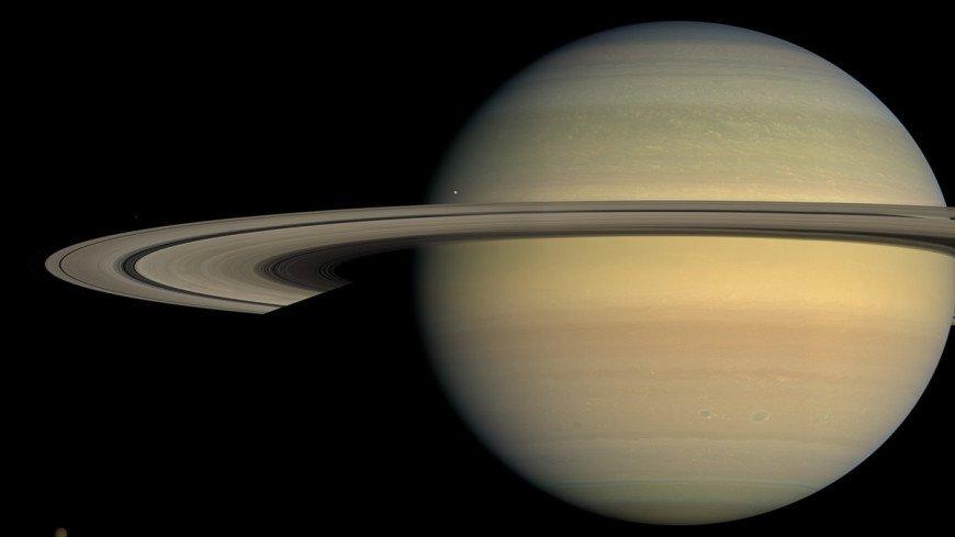 На спутнике Сатурна заметили свежий лед