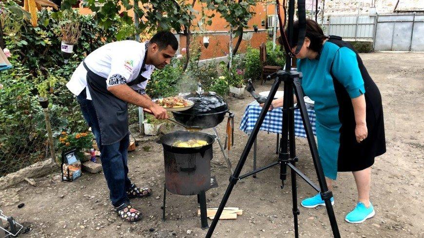 Идея, подсказанная пандемией: тбилисский шеф-повар проводит онлайн мастер- классы