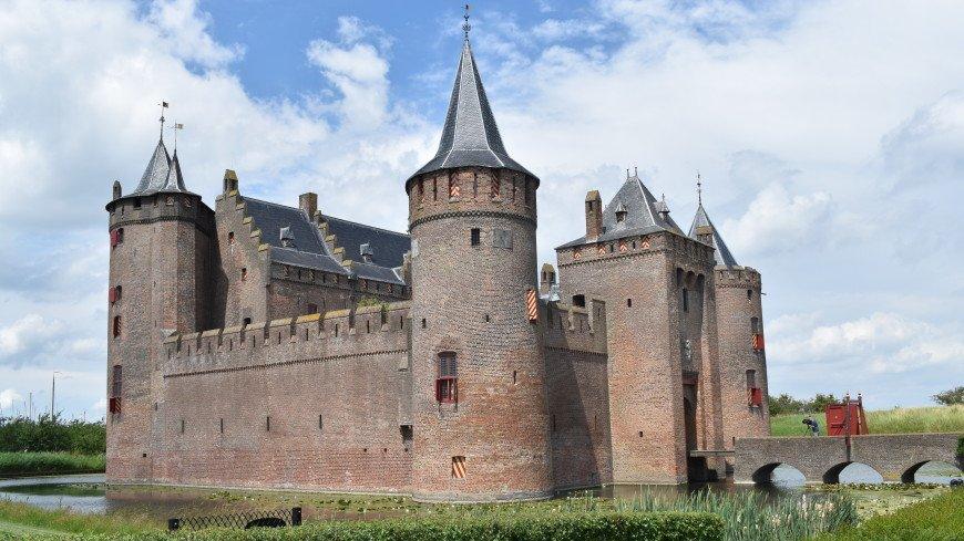 Странные и жуткие средневековые традиции: что скрывает один из самых красивых замков в Европе – Мейдерслот