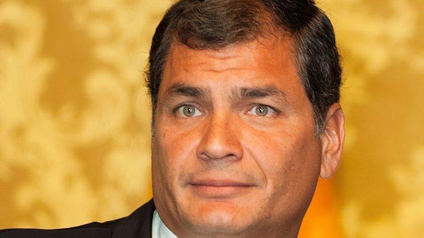 Суд Эквадора вынес постановление об аресте бывшего президента Корреа