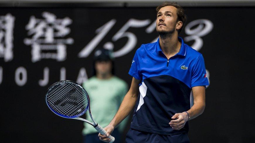 Даниил Медведев вышел в четвертый круг US Open