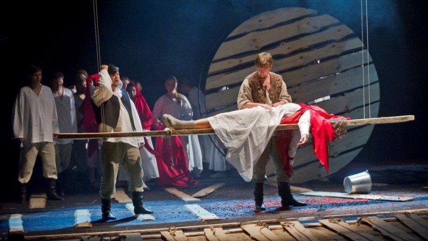 Поэзия есенинской прозы: «Большие гастроли-онлайн» покажут спектакль «Яр»