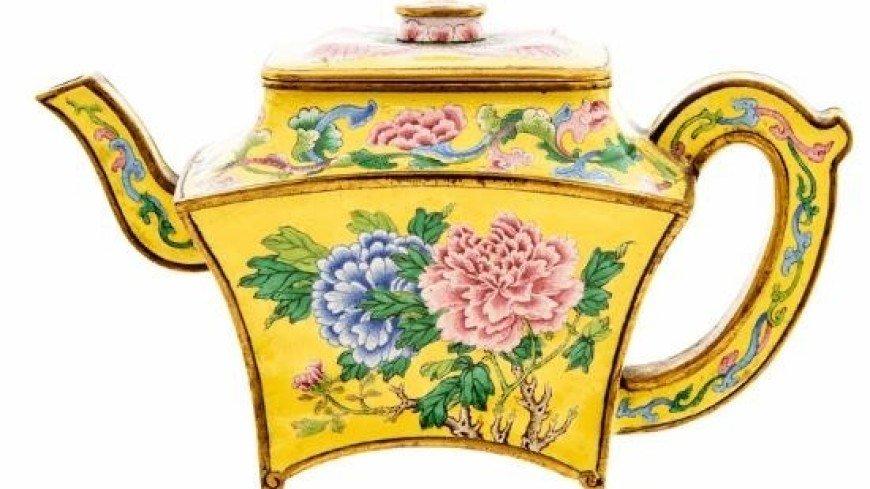 Старый чайник из гаража британца ушел с молотка за $500 тысяч