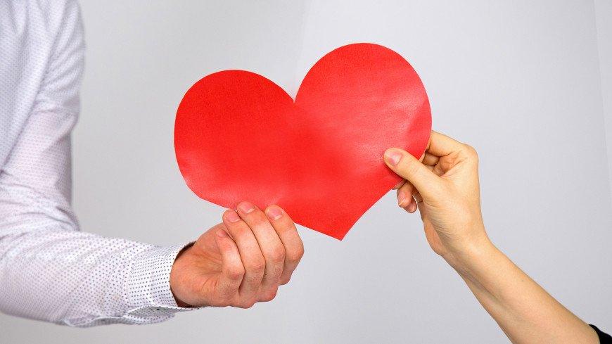 Добро здесь и сейчас: почему стоит заниматься благотворительностью и как правильно это делать?